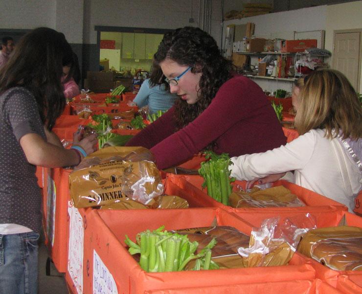 Giving Thanks 'Dinner Box Program'